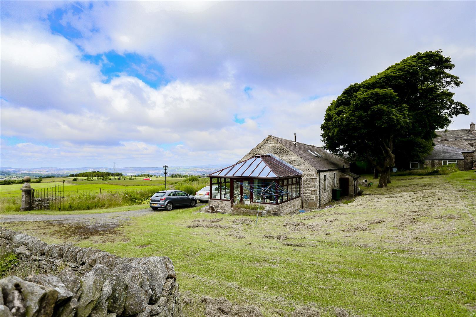 2 Bedroom Barn Conversion For Sale - IMG_2438.jpg